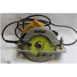 DEWALT 120V CORDED SAW.