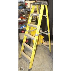 6FT FIBRE GLASS AND ALUMINUM LADDER - ON CHOICE