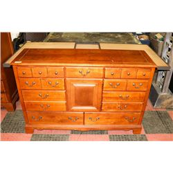 SOLID WOOD BEDROOM FURNITURE ON CHOICE: DRESSER