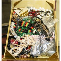 LOT OF ASSORTED COSTUME JEWELLERY