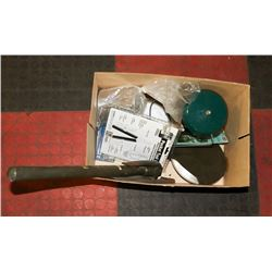 BOX OF ASSORTED CAMPING TOOLS INCL LANTERN,