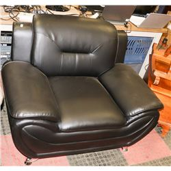 BLACK LEATHERETTE SOFA CHAIR. FURNITURE