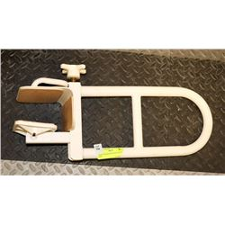 BATH TUB/SHOWER GRAB SAFETY RAIL WITH ADJUSTABLE