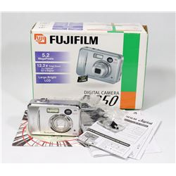 FUJIFILM FINE PIX A350 DIGITAL CAMERA.