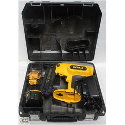 DEWALT 18V DC608 BRAD NAILER WITH BATTERY &