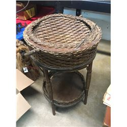 WICKER KNITTING STAND (VINTAGE)