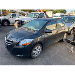 2007 TOYOTA YARIS, GREY, 4DRSD, GAS, AUTOMATIC, VIN#JTDBT903671077913, 84,083KMS,