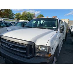 2003 FORD F550 XL, 4DR DUMP TRUCK, WHITE, GAS, AUTOMATIC, VIN#1FDAW56S43ED56933, 119,642KMS, RD, NO