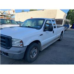 2006 FORD F350 SUPERDUTY, 2DRPU, WHITE, GAS, AUTOMATIC, VIN#1FTWX30516EA48251, 292,610KMS,