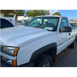 2006 CHEVROLET 2500HD, 2DRPU, WHITE, GAS, AUTOMATIC, VIN#1GCHC24U76E163355, 134,280KMS, RD,TW, NO