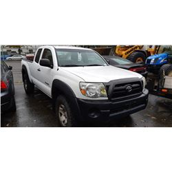 2006 TOYOTA TACOMA, PICKUP, WHITE, GAS, AUTOMATIC, VIN#5TEUU42N76Z270373, 168,849KMS, RD,CD,4W,AC,
