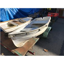 WHITE 7' ROW BOAT