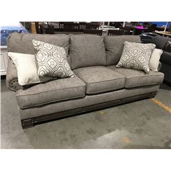 CONTEMPORARY GREY UPHOLSTERED SOFA WITH 4 THROW CUSHIONS