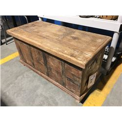 RECLAIMED WOOD PAINTED & METAL FITTED STORAGE CHEST/BENCH