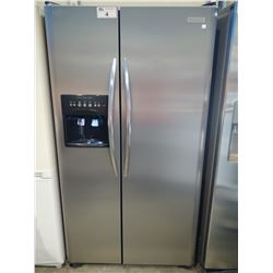 FRIGIDAIRE STAINLESS STEEL FRENCH DOOR FRIDGE / FREEZER WITH WATER AND ICE