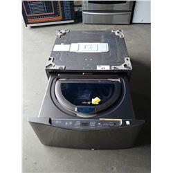 LG 1.1 CU FT SIDEKICK WASHING MACHINE