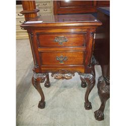 MAHOGANY FINISH CHIPPENDALE BALL & CLAW FOOT NIGHTSTAND