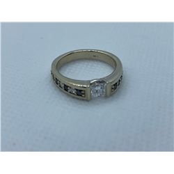 LADIES 14K WHITE GOLD RING WITH 15 DIAMONDS RV $4,820.00