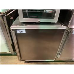 SILVER KING SINGLE DOOR MOBILE STAINLESS STEEL COUNTER HIGHT COMMERCIAL COOLER