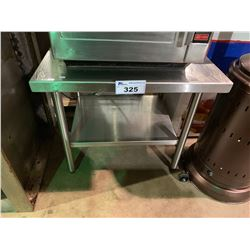 27W X 28D X 28H STAINLESS STEEL EQUIPMENT STAND