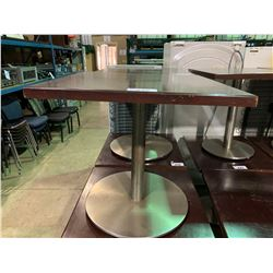 "DARK WOOD TOP 30"" X 30"" SQUARE RESTAURANT TABLE"