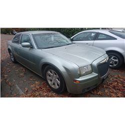 2005 CHRYSLER 300, GREY, 4DRSD, GAS, AUTOMATIC, VIN#2C3JA53G65H107021, 149,924KMS*MUST TOW,