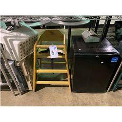 BLACK KOOLATRON BAR FRIDGE, BOOSTER SEAT, STOOL & DISH RACKS