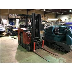 RAYMOND DOCKSTOCKER DSS-350 3 STAGE ELECTRIC STAND UP FORKLIFT 0718.1 HL & 4202 HD