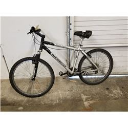 BLACK/GREY NORCO BUSH PILOT MOUNTAIN BIKE
