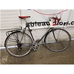BLACK UNKNOWN BRAND ROAD BIKE