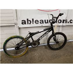 BLACK UNKNOWN BRAND BMX BIKE