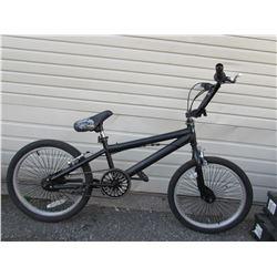 BLACK UNKNOWN BRAND BMX BIKE