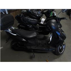 BLACK MOTORINO ELECTRIC SCOOTER (NO KEYS OR CHARGER)