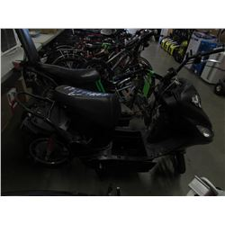 ELECTRIC SCOOTER (NO KEYS OR CHARGER, PARTS & REPAIR)