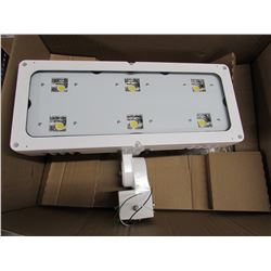 NEW LITHONIA LIGHTING MVOLT HLF1 LED P3 40K WFL LED LIGHT
