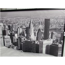LARGE FRAMED BLACK/WHITE CITY LANDSCAPE PHOTO