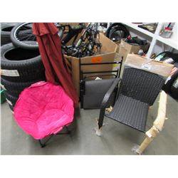 2 CHAIRS & PATIO UMBRELLA