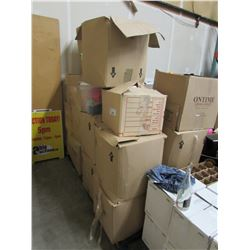 LARGE PALLET OF ASSORTED CLOTHING & LINENS