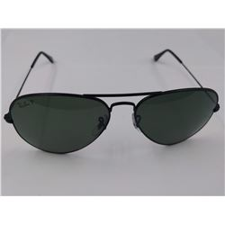 PAIR OF AUTHENTIC POLARIZED RAY-BAN METAL FRAME AVIATOR SUNGLASSES (MODEL RB 3025) *CHIPS*