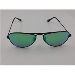 PAIR OF AUTHENTIC RAY-BAN CHILD'S AVIATOR SUNGLASSES (RJ 9506S) *SCRATCHES*