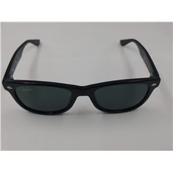 PAIR OF AUTHENTIC RAY-BAN CHILD'S SUNGLASSES (RJ 9052S)