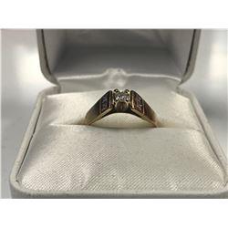 LADIES 14K WHITE & YELLOW GOLD 5 DIAMOND RING - APPRAISED VALUE $2190.00