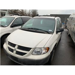 2007 DODGE CARAVAN, WHITE, GAS, AUTOMATIC, VIN#1D4GP21R87B206980, 114,766KMS, RD,CD,PL,AC, DENT