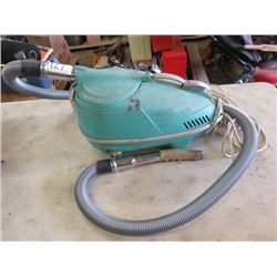 VACUUM CLEANER (ANTIQUE) *COMPACT ELECTRA*