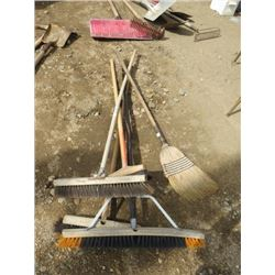 LOT OF 5 BROOMS