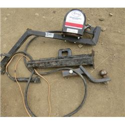 """LOT OF TOWING ITEMS ( 2"""" HITCH, WONDER WINCH 2500LBS,ETC)"""