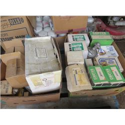 LOT OF ITEMS (FUEL PUMP, WATER PUMP, UNIVERSAL JOINTS, ETC)