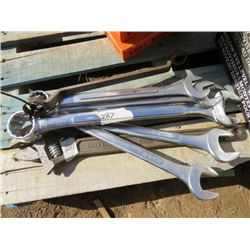 "LOT OF WRENCHES (1 3/8"" TO 2"")"