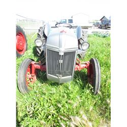 9N FORD TRACTOR (3 PTH) *12 VOLT* (VIN 2N401582)