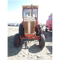 TRACTOR (CASE 930) *COMFORT KING* (COMES WITH CAB, LIVE PTO) *6 SPEED STANDARD* (FOOT CLUTCH) *NEW B